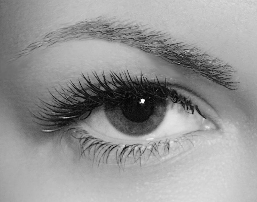 Beauty By Becs, open eye lashes b_w